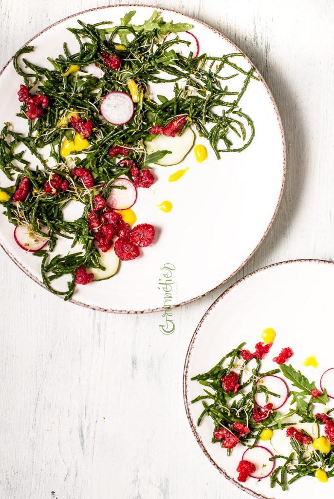 Ensalada de salicornia, frambuesas y vinagreta de mango