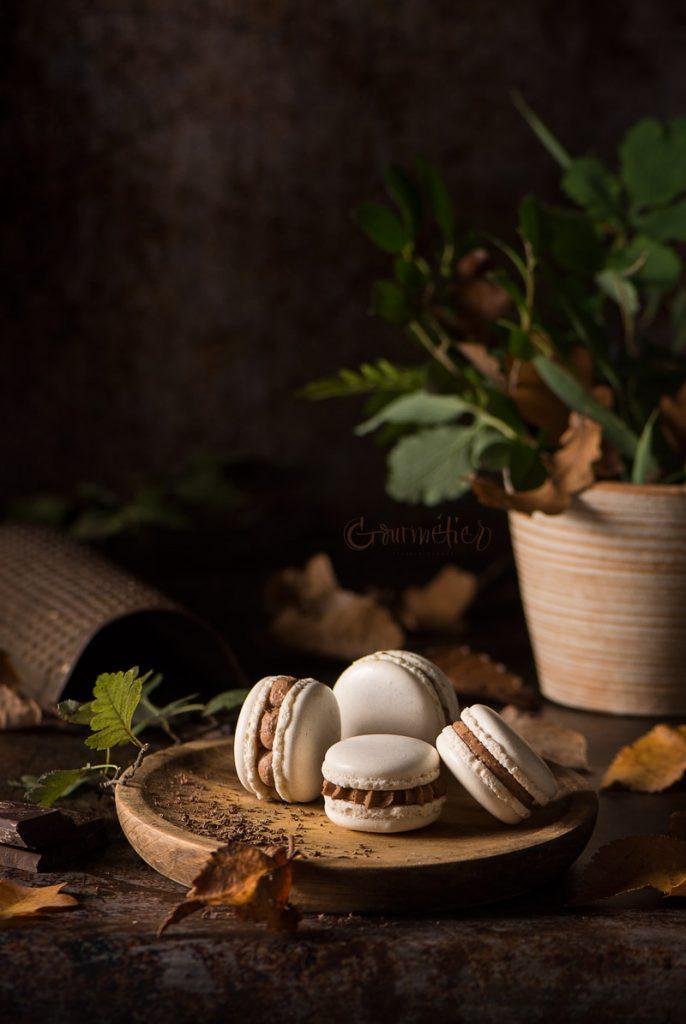 Macarons de gomasio y ganache de gianduja